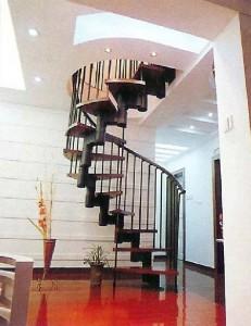 Лестницы для загородных коттеджей